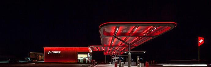 Aureolighting diseña la nueva estación de servicio CEPSA